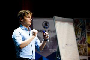 Równolegle z piątkowymi prelekcjami Rafał Zaorski poprowadzi Trading Charytatywny